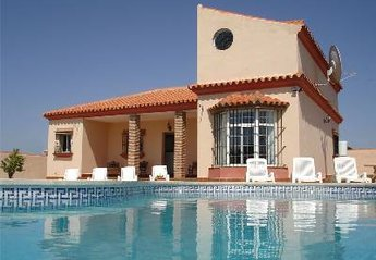 Villa in Chiclana de la Frontera, Spain: Relax By The Pool