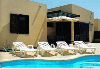 Villa in Urbanización La Capellanía, Fuerteventura: Casa Miguel. Villa back garden.