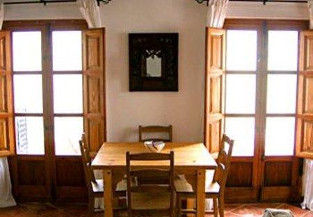 Apartment in Bubión, Spain: dining area