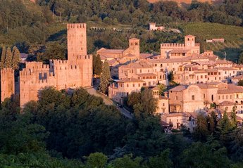 Country House in Corti, Italy: Castell'arquato one of our local castles