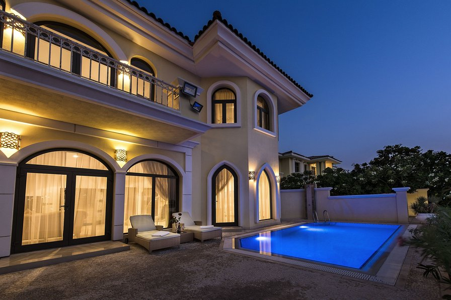 villa to rent in the palm jumeirah united arab emirates with private pool 37841