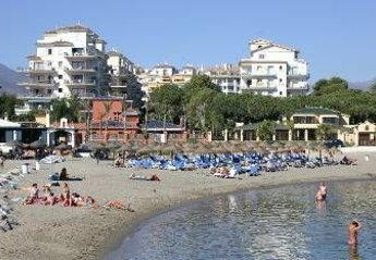 Apartment in Spain, Nueva Andalucía: Beach front apartment in the background on the sandy Blue Fl..