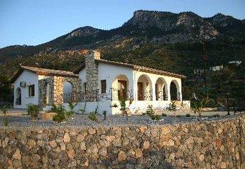 Villa in Karsiyaka, Cyprus: North Shore Villa with mountainside location