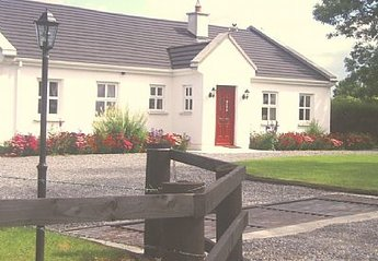 Cottage in Lavagh, Ireland: Ashtree Cottage