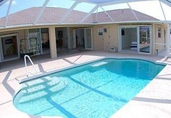Villa in White Marsh, Florida: South facing, so sun all day!