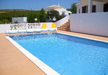 Villa in Gaspar Baixo, Algarve: The Pool at Casa Chrisanda