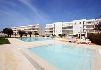 Apartment in Săo Sebastiăo (Lagos), Algarve: Pool and apartment