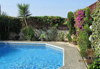Villa in Universal Gardens, Cyprus: pool in the afternoon