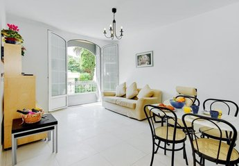 Apartment in Liberti-Albert 1er, the South of France: Main