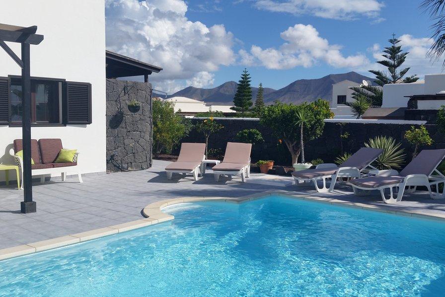 Property To Rent In Playa Blanca Lanzarote