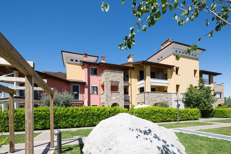 Apartment To Rent In Sirmione Italy With Shared Pool 56238