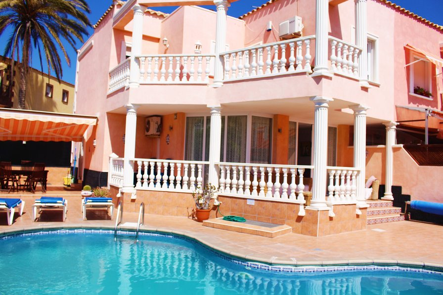 Charming Beach Villa With 5 Bedrooms, 8 Bathrooms And Private Pool In Los  Cristianos, Tenerife