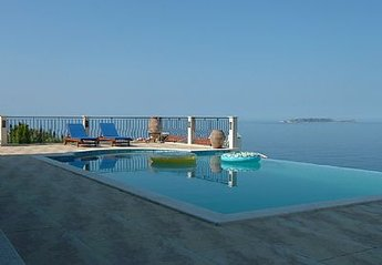 Villa in Kas, Turkey: Pool view towards sea