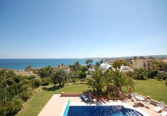 Villa in Puerto de Estepona, Spain: private swimming pool, view to the sea