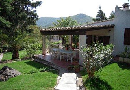 Villa in Torre delle Stelle, Sardinia: garden