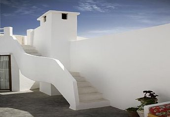 House in Essaouira, Morocco: Stairs to top terrace