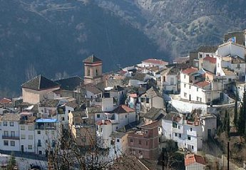 Village House in Quéntar, Spain: The village of Quentar