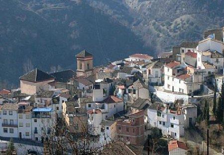 Village House in Quéntar, Spain: The village of Quentar