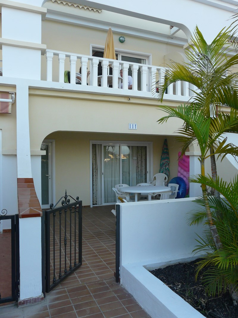 apartment to rent in golf del sur tenerife with shared pool 63545
