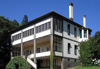 Country House in Portugal, Casais Próximos: A spacious country house on Madeira Island