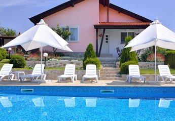 Villa in Bulgaria, Bryastovetz