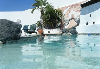 Villa in Tahíche, Lanzarote: pool area