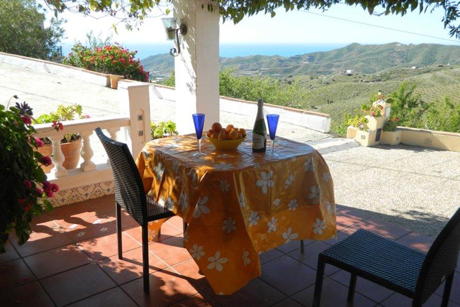 Villa to rent in iznate spain with private pool 69410 - Casa home malaga ...