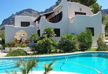Villa in Urbanització Sant Pere, Majorca: private pool
