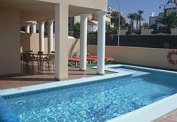 Villa in Adeje, Tenerife: COOL DOWN WITH A QUICK DIP