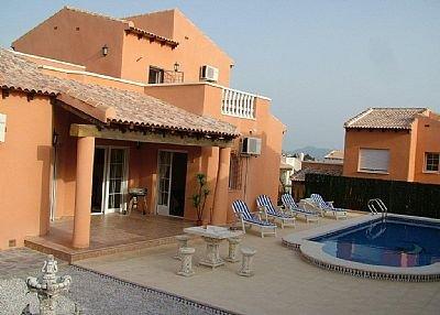 Villa To Rent In Las Kalendas Spain 71680