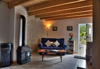 Gite in Essouvert, France: Grapevine Lounge