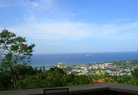 Villa in Ridge Estates, Jamaica: The beautiful view from the veranda!