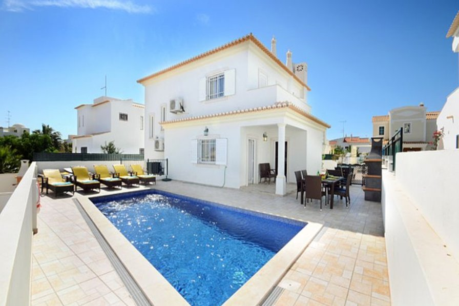 Villa To Rent In Albufeira Algarve With Private Pool 75857