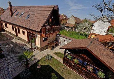 Villa in Brasov, Romania: Yard