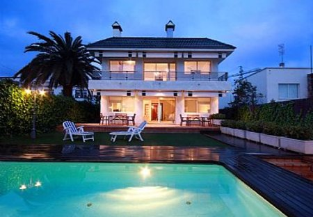 Villa in Sitges, Spain: view at night
