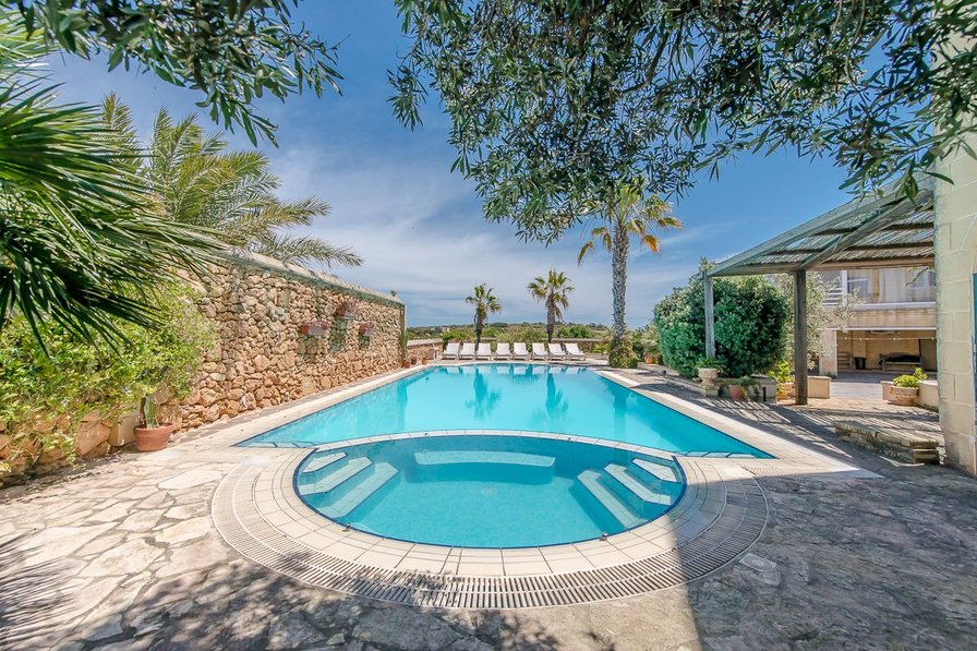 Farm house to rent in xaghra malta with private pool 77898 - House with swimming pool for sale scotland ...