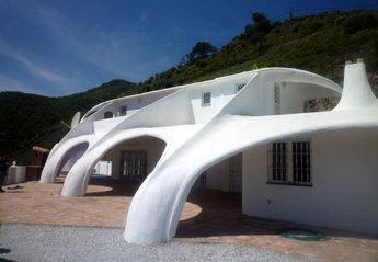Villa in Arenas, Spain: Unique Spray Concrete Construction