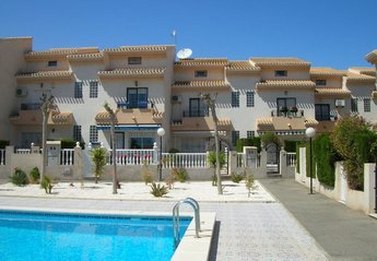 House in Spain, Playa Flamenca: House and pool