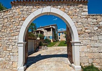 Villa in Brečevići, Croatia