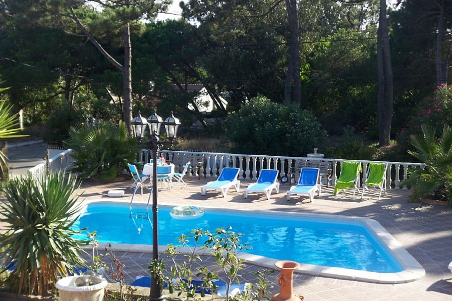 Cottage To Rent In Praia Das Ma S Lisbon Metropolitan Area With Private Pool 83650