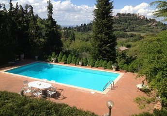 Cottage in Montepulciano, Italy: Pool with stunning view across to Montepulciano