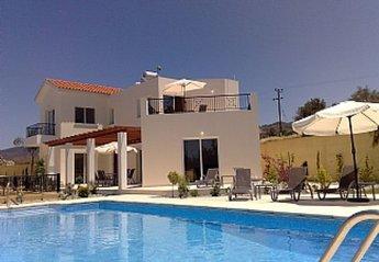 Villa in Ayia Marina, Cyprus: Villa