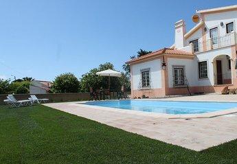 Villa in Fontanelas, Lisbon Metropolitan Area