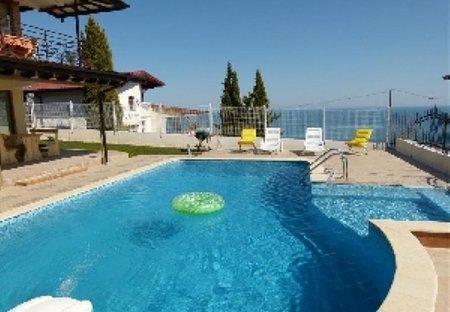 Villa in Fish Fish, Bulgaria: The pool and the Black Sea